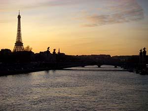 Coucher de soleil sur la Tour-Eiffel