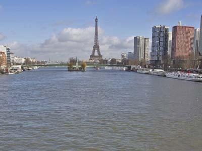La Tour-Eiffel depuis le Pont Mirabeau