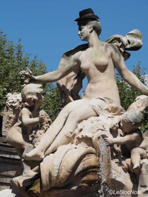 Détail d'une fontaine à Bordeaux